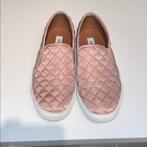 Steve Madden Rose Quilted Slip-ons. Size 9